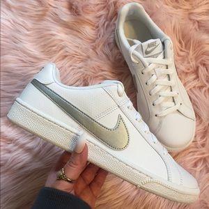 New Nike Women's Sneakers silver metallic